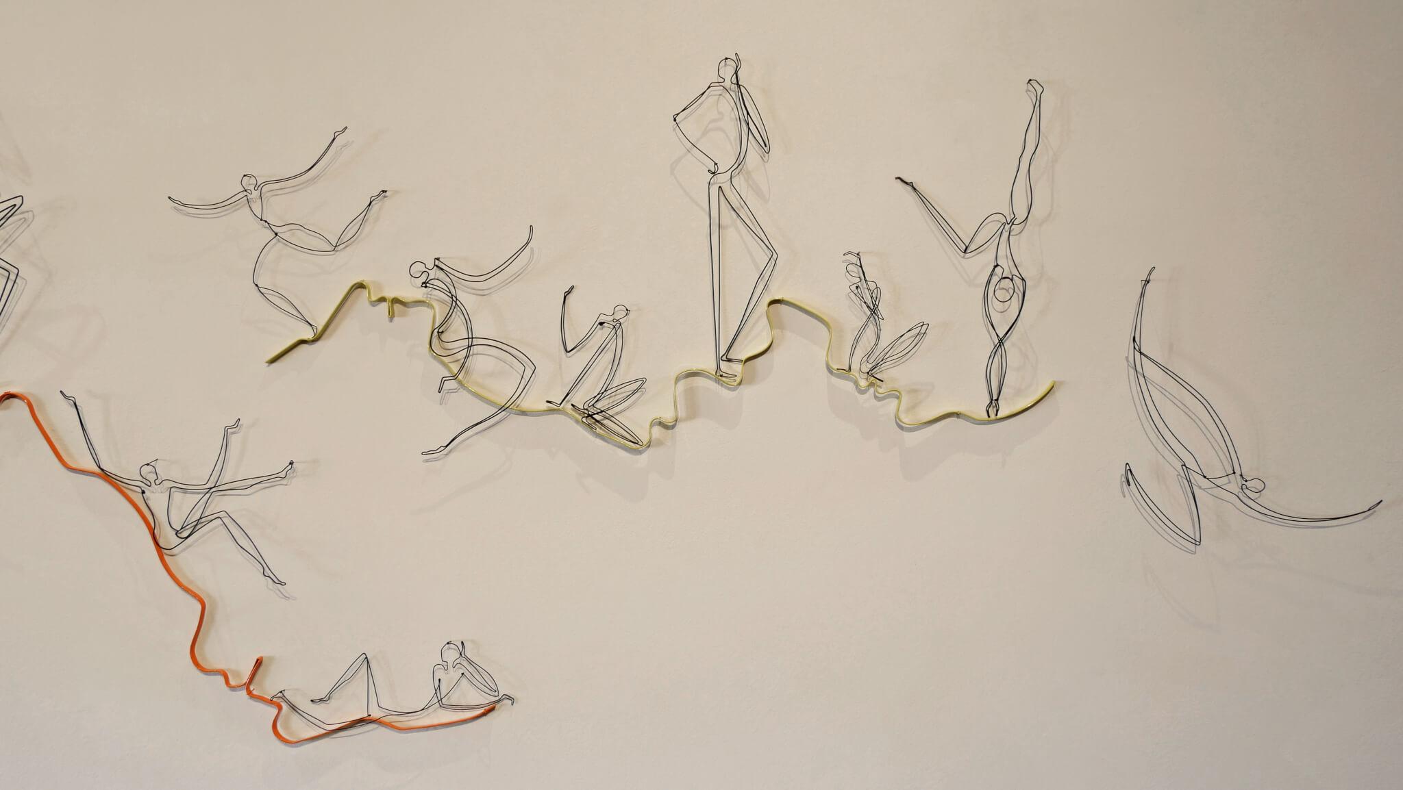 Pamela Merory Dernham, Fiddling While Rome Burns, 2017, wire sculpture, detail